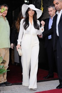 kim-kardashian-kentucky-derby02[1]